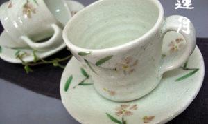 撫子のカップ&ソーサーとマグカップ
