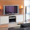 リビングルームに置くカリモクテレビボード
